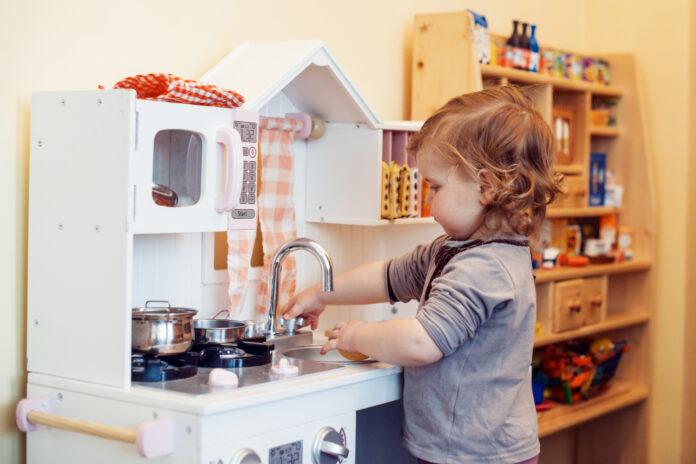 czy kuchnia-zabawka jest odpowiednia dla dziecka?